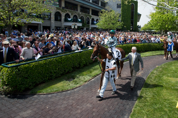 A crowd gathers around the paddock area during the April 2013 meet. Photo: Keeneland.