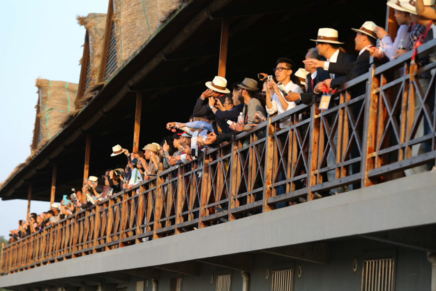 Crowd enjoying the CECF racing at the clubhouse in Shanghai. Photo: China Horse Club.