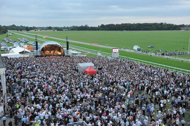 The crowd at the 2011 Music Showcase Weekend at York Racecourse. Photo via York Racecourse.