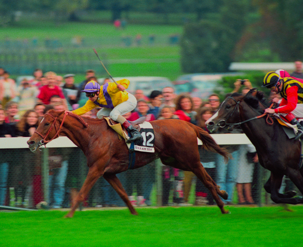 Urban Sea wins the 1993 Prix de l'Arc de Triomphe. Photo: Mark Cranham/cranhamphoto.com