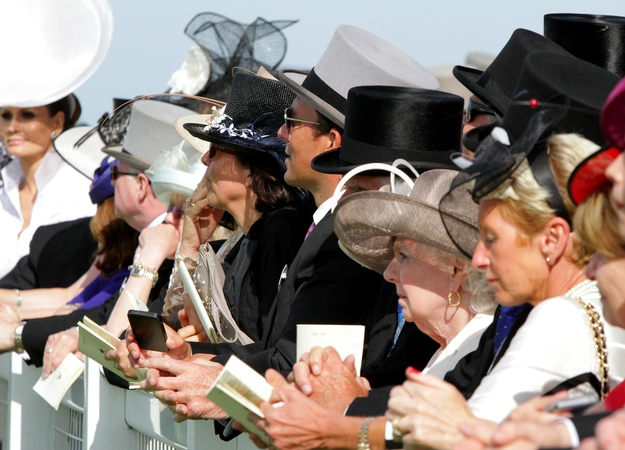 Racegoers at Royal Ascot. RacingFotos.com