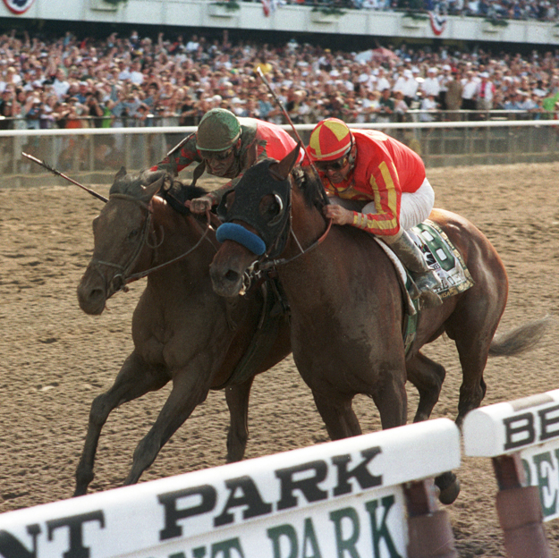 Victory Gallop (outside, green cap) beats Real Quiet by a nose in the 1998 Belmont Stakes. Photo: NYRA/Adam Coglianese.