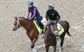 Kentucky Derby: exercise riders are often black or female. Why aren't the jockeys?