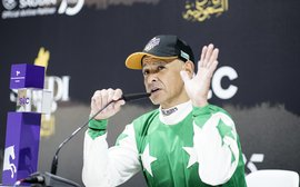 'America should do something like this' - Mike Smith lauds Riyadh's 'one goggle' dirt track
