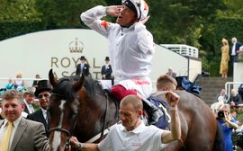 Moore's top spot under threat as irrepressible Dettori looms in his rear-view mirror