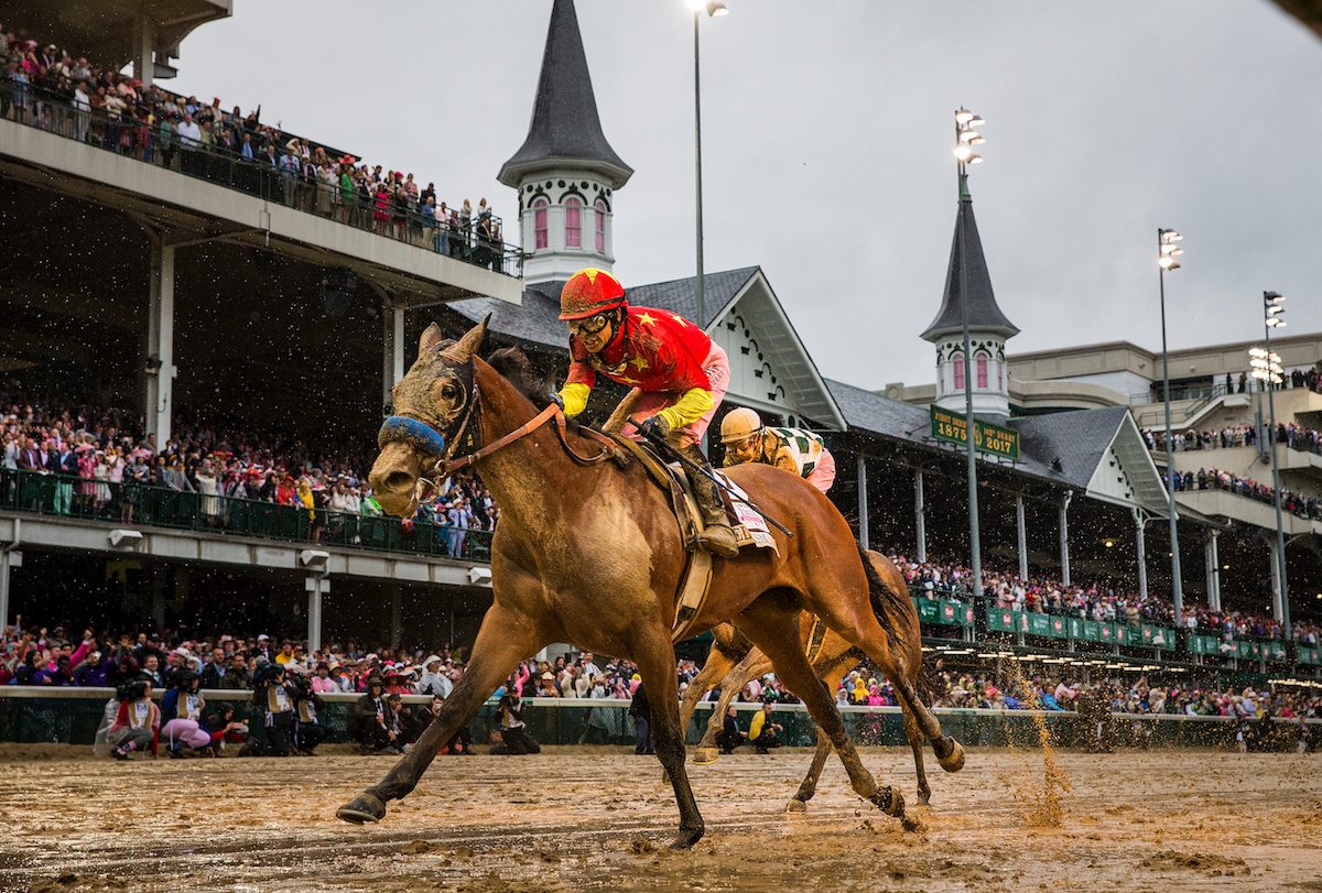Abel Tasman and Mike Smith on their way to winning the Kentucky Oaks at Churchill Downs on May 7. Photo: China Horse Club