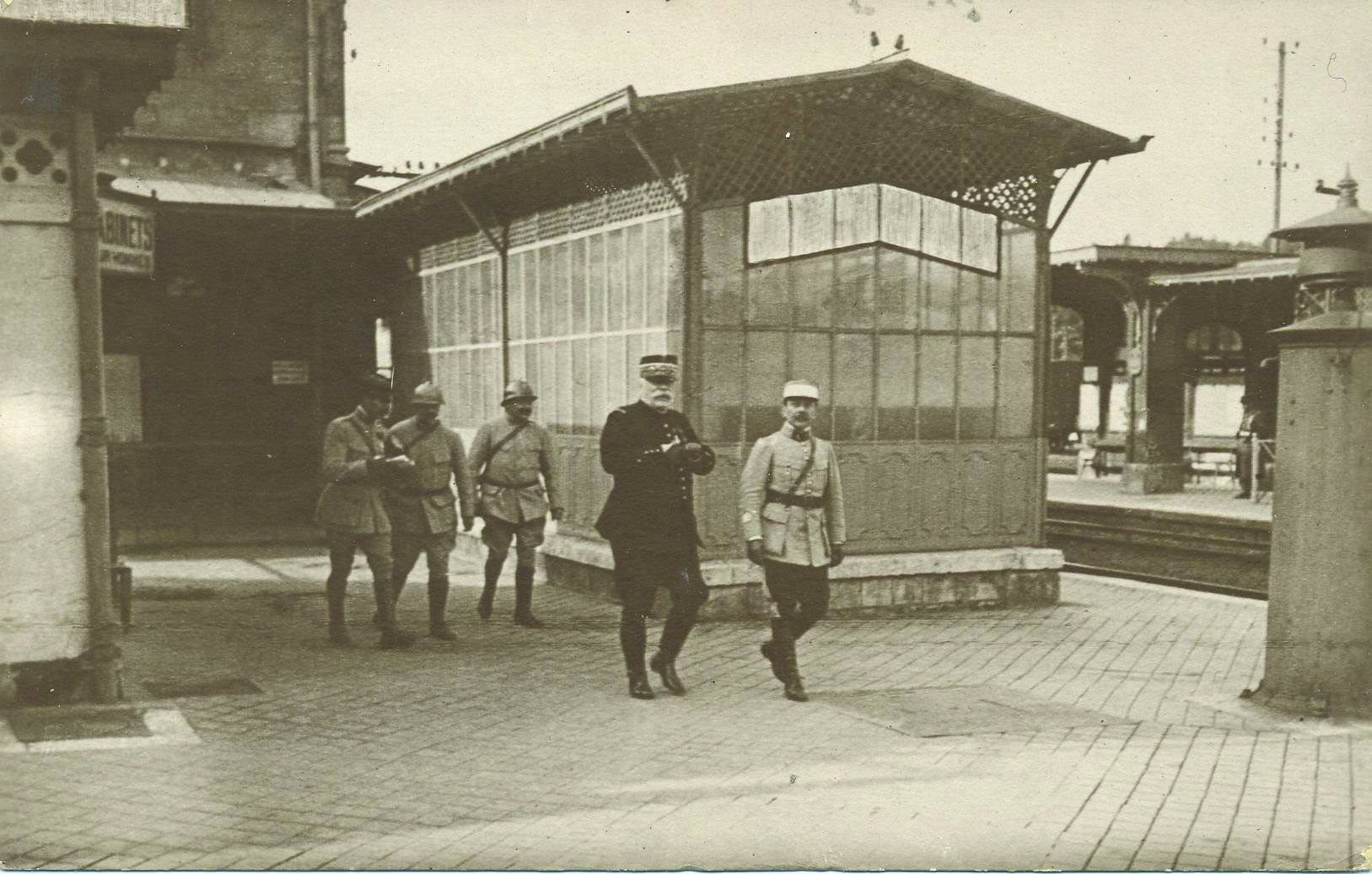 General Joffre and a Colonel Henri at Chantilly railway station in late 1914